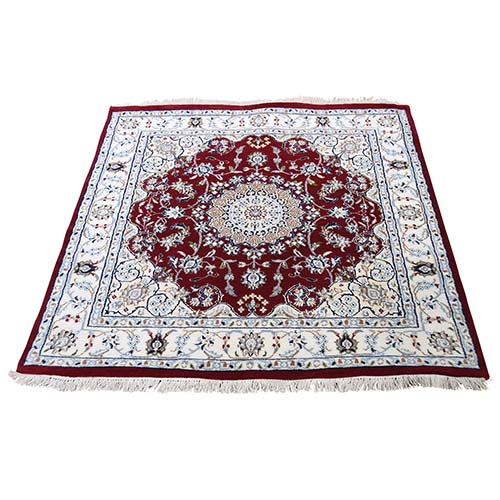 Wool And Silk 250 Kpsi Red Square Nain Hand-Knotted Oriental Rug