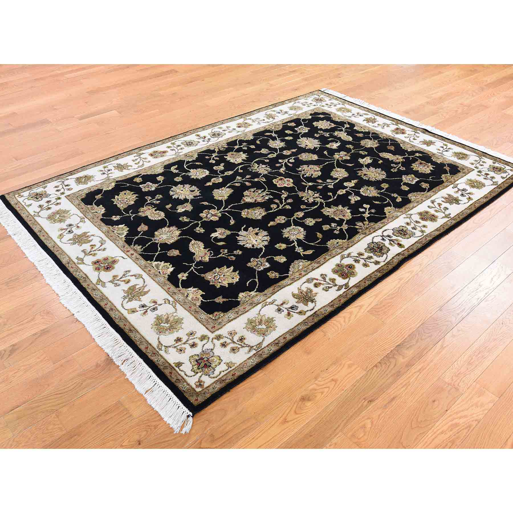 Rajasthan-Hand-Knotted-Rug-232515
