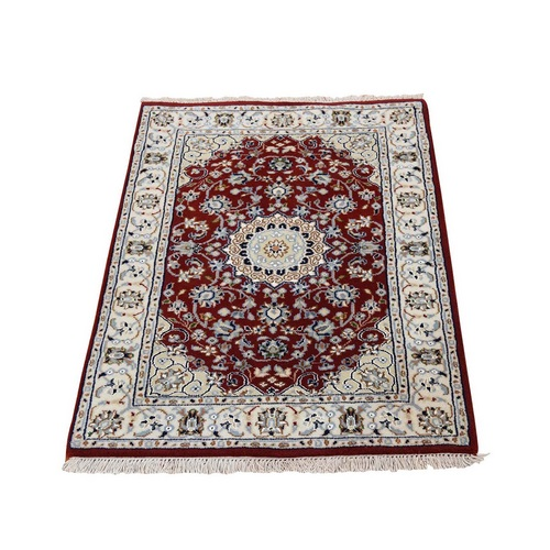 Red Nain Wool And Silk 250 KPSI Hand Knotted Oriental Rug